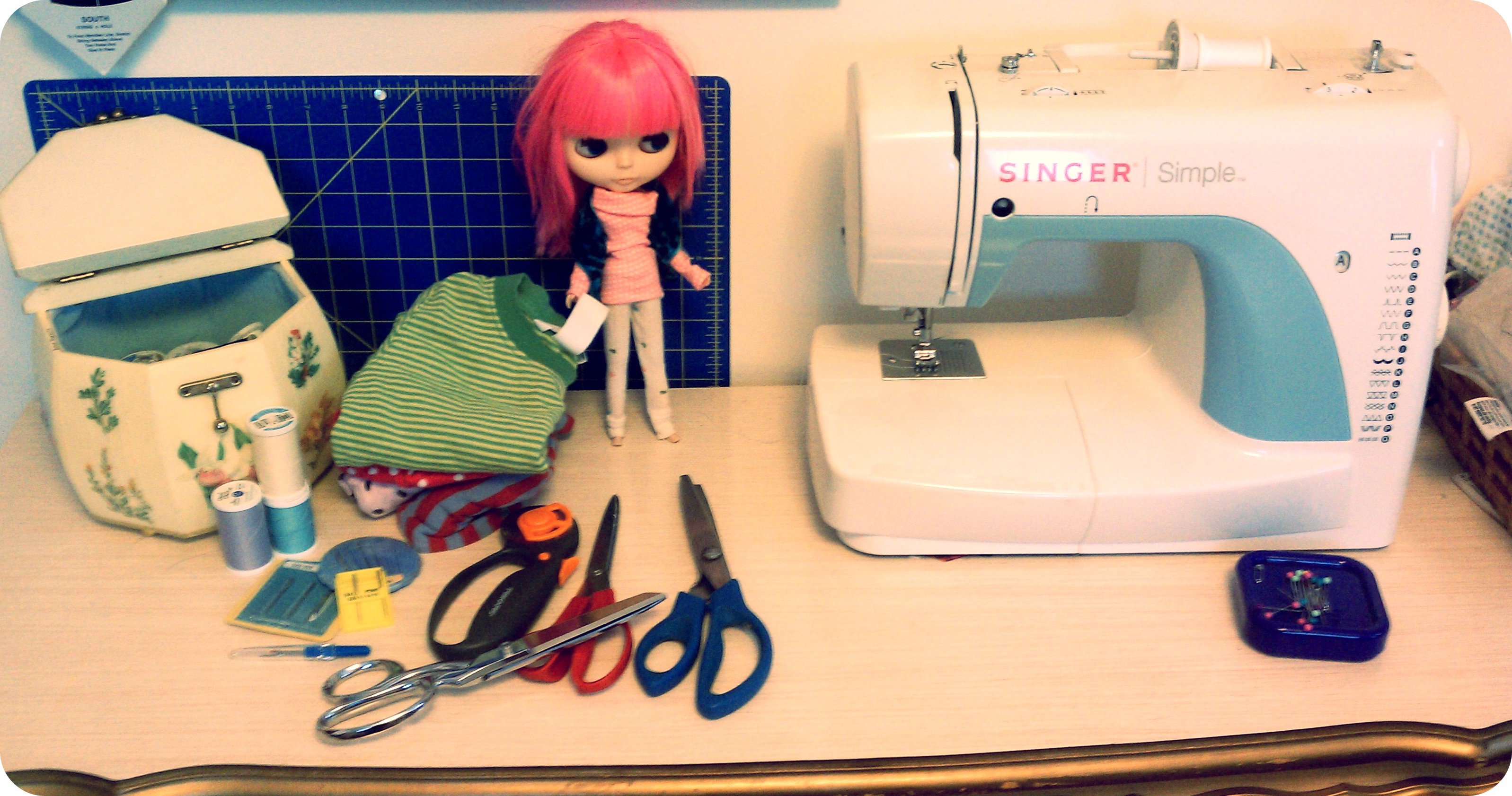 how to make barbie clothes without sewing machine